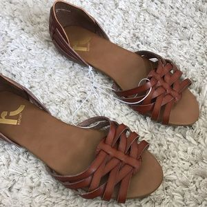 Report Brown woven Sandals